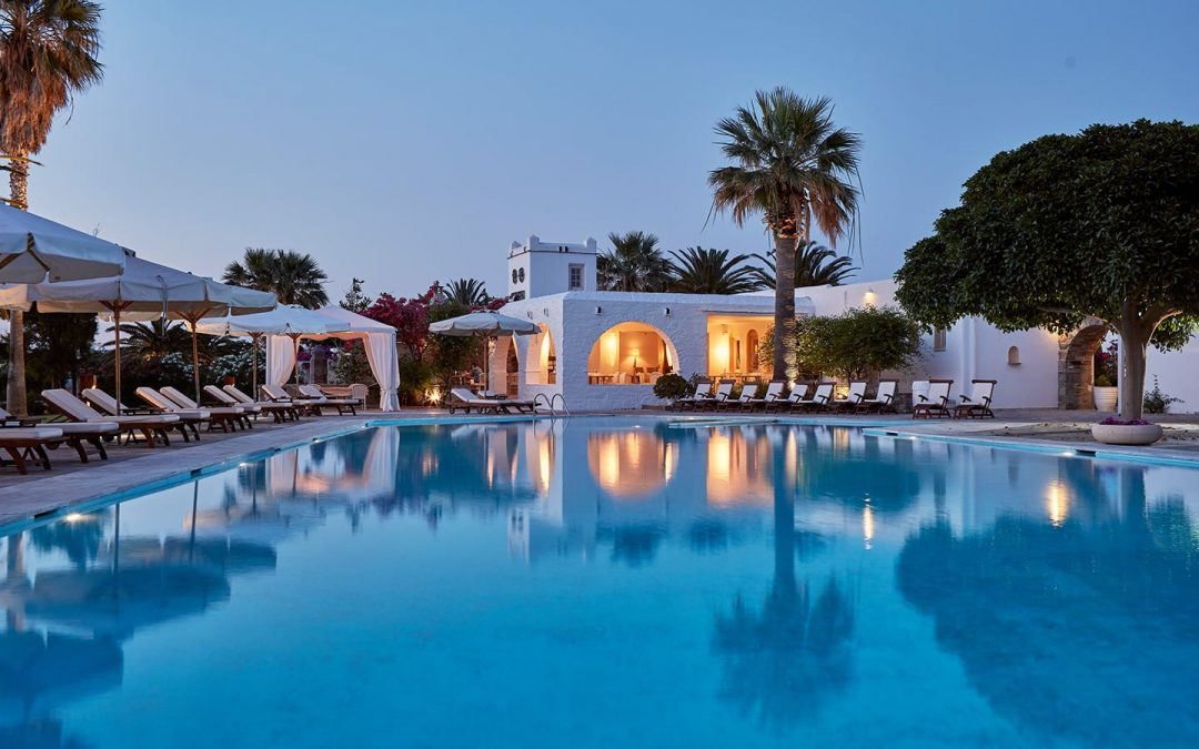 20180126-An-amazing-Luxury-Mykonos-hotel-+-9-more-reasons-to-choose-this-island-for-your-holidays
